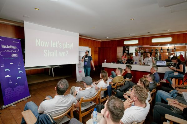 Inellipse presentation of the mobile game developed at the hackathon in Porto Montenegro